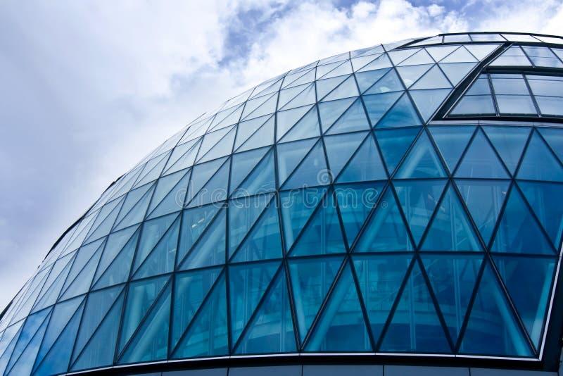 蓝色玻璃半球形的大厦 库存照片