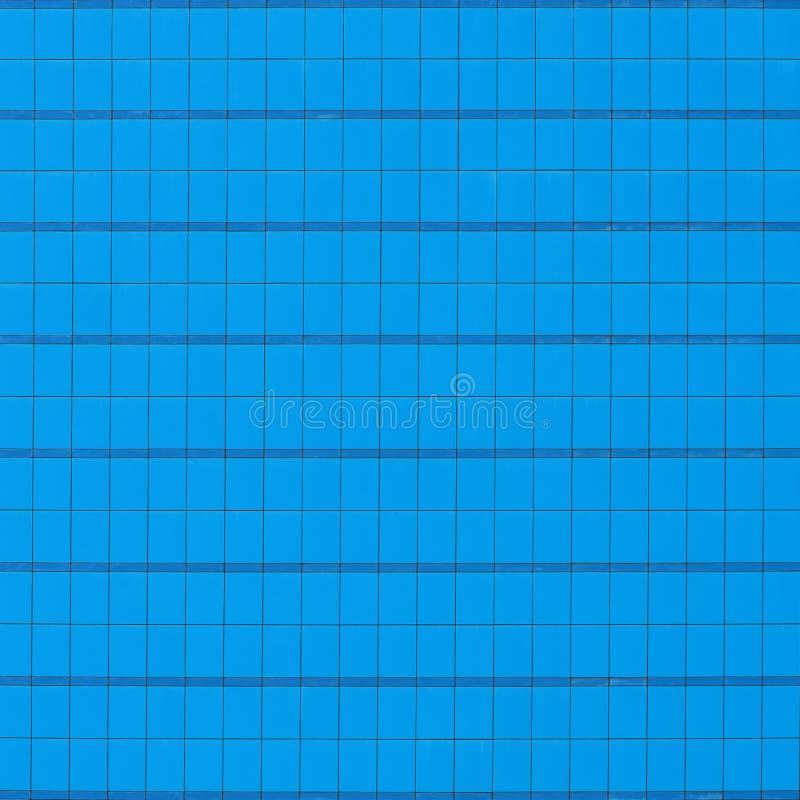 蓝色玻璃墙 免版税库存图片