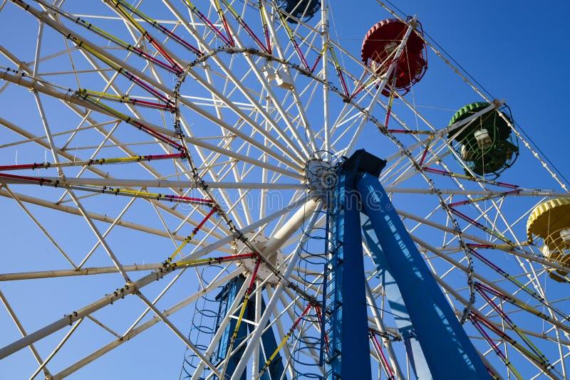 蓝色ferris天空轮子 库存图片