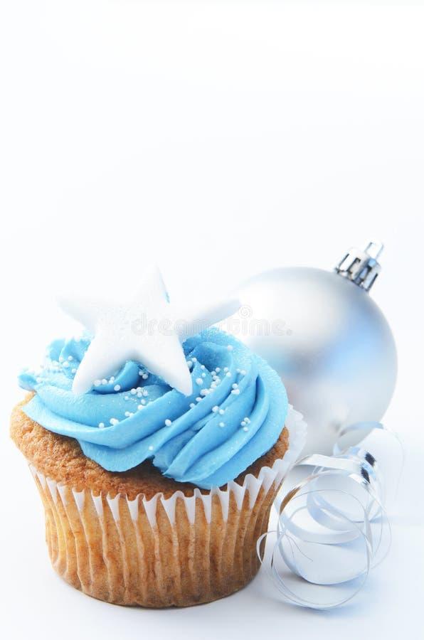 蓝色xmas杯形蛋糕 图库摄影
