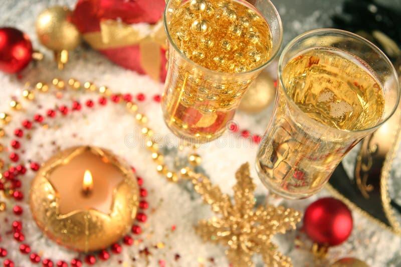 Download 蓝色xmas 库存照片. 图片 包括有 对象, 存在, 香槟, 金黄, 典雅, 冬天, 夜间, 节假日, 饮料 - 22350504