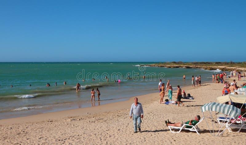 蓬塔阿雷纳斯Playa蓬塔阿雷纳斯, Makanao,海岛玛格丽塔,委内瑞拉- 2015年1月08日:加勒比海和海滩 库存照片