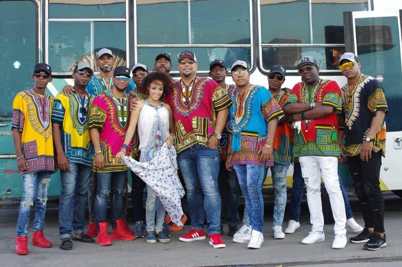 蓬松卷发古巴舞蹈合奏 库存图片
