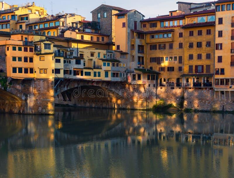 蓬特Vecchio反射佛罗伦萨意大利 库存照片