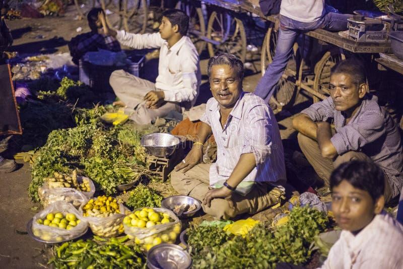 蔬菜批发市场在贾姆讷格尔,印度 库存图片