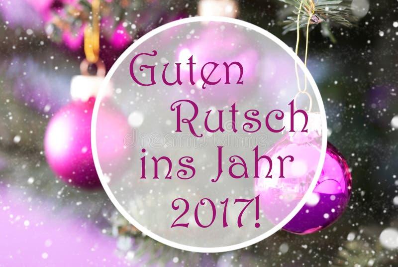 蔷薇石英圣诞节球, Guten Rutsch 2017手段新年 免版税库存照片