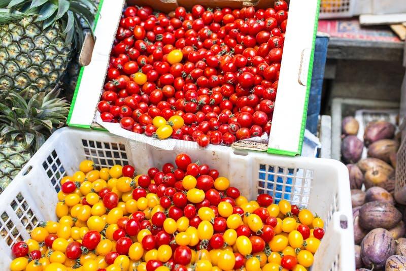 蕃茄和菠萝 免版税库存照片