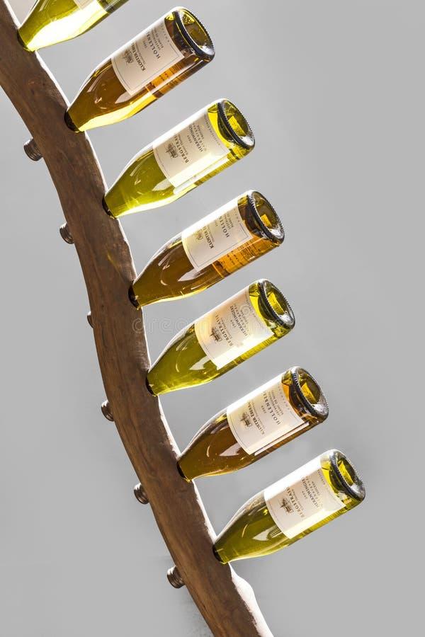 蕾斯霖在酒机架喝酒在修道院Ebersbach 图库摄影