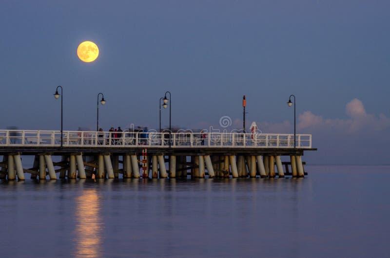 虚度在格丁尼亚orlowo的码头在波罗的海在波兰 库存照片