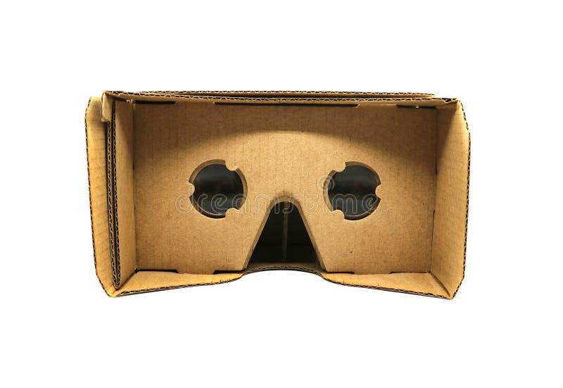 虚拟现实在白色背景隔绝的纸板玻璃 免版税库存照片