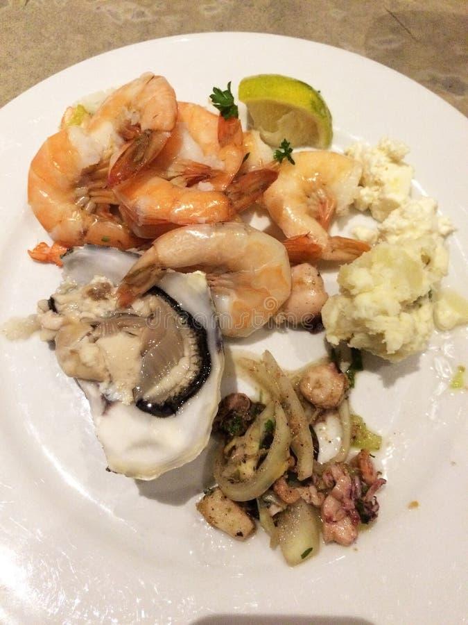 虾和海鲜盘  库存图片