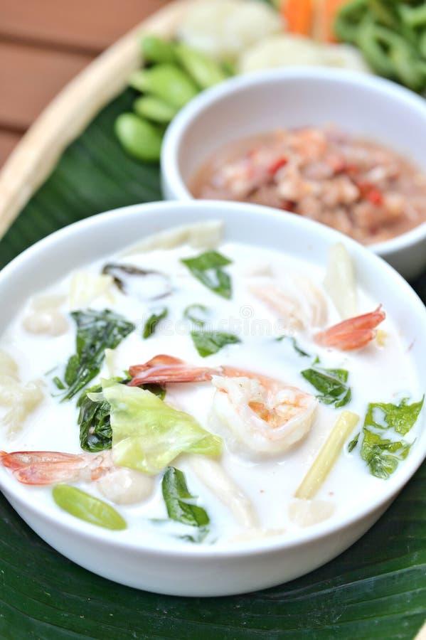 虾椰子汤 免版税图库摄影