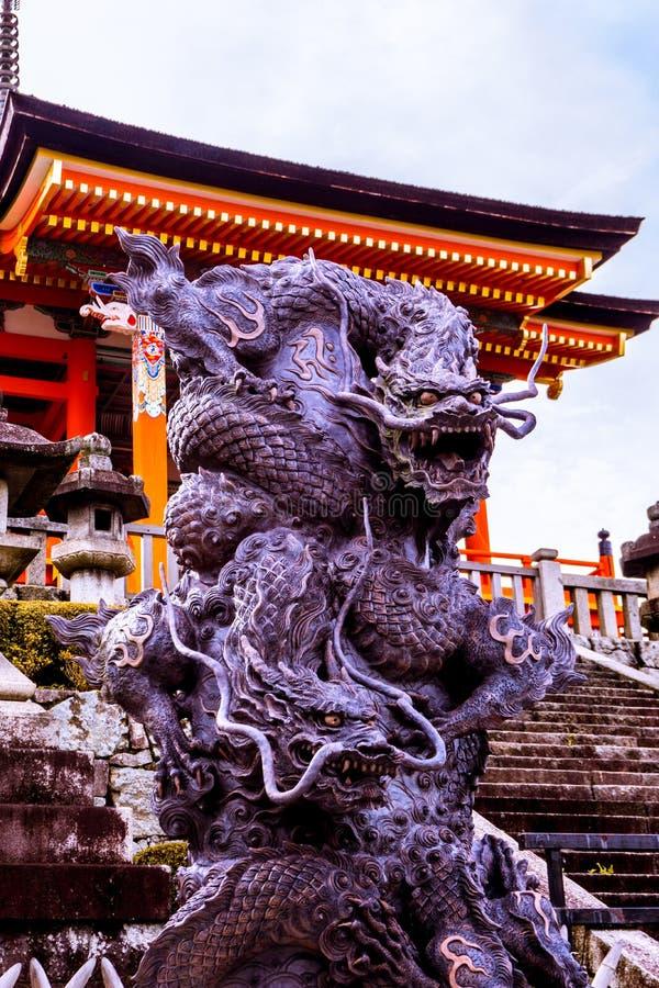 蛇Kiyomizu dera的龙监护人 库存照片