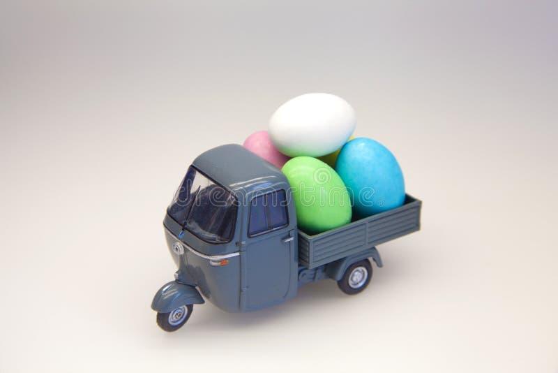 蛋交付 图库摄影