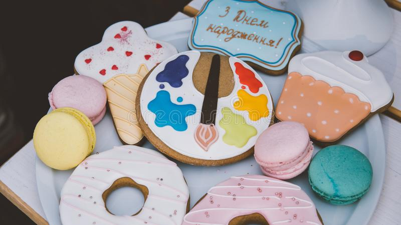 蛋白杏仁饼干,蛋白甜饼, nat的姜饼儿童` s党特写镜头 n 免版税库存照片