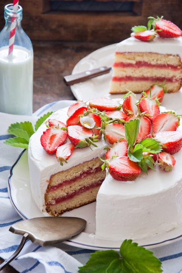 蛋糕可口草莓 免版税库存图片