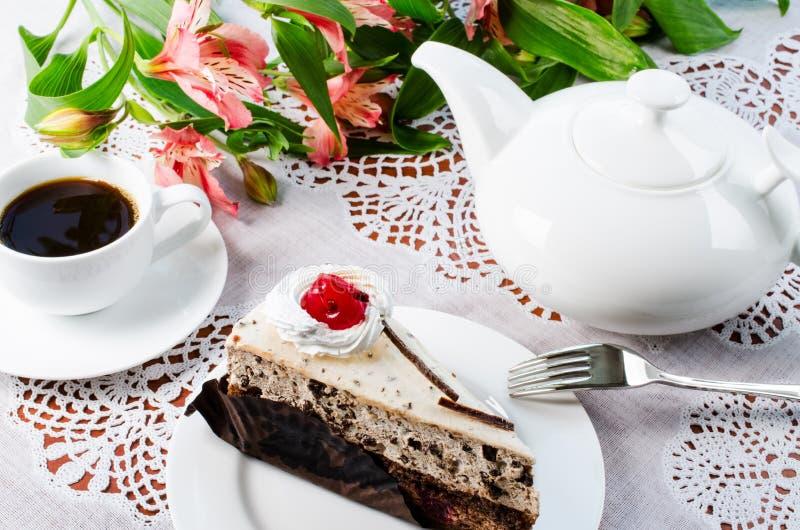 蛋糕咖啡茶壶 免版税库存照片
