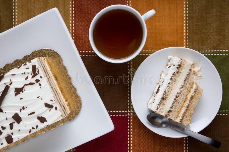 蛋糕在牌照的 库存照片