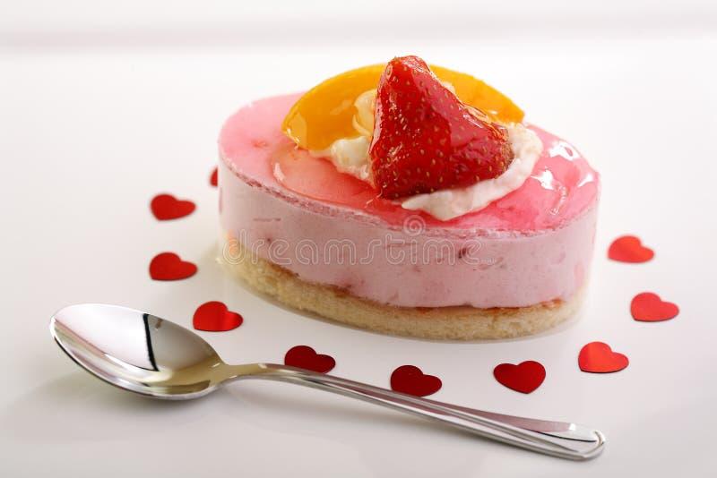 蛋糕新鲜水果华伦泰 库存图片