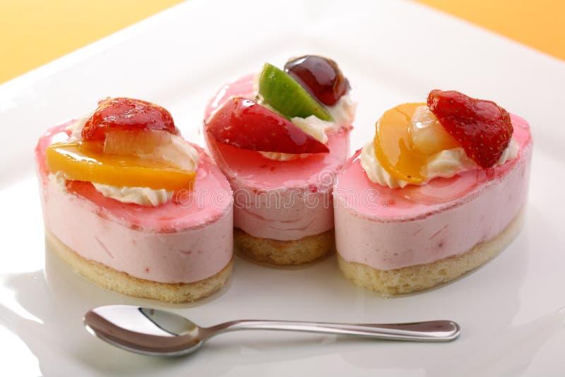 蛋糕新鲜水果 库存图片