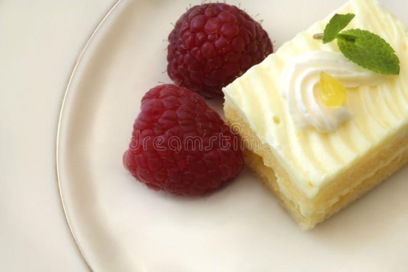 蛋糕柠檬莓 库存照片