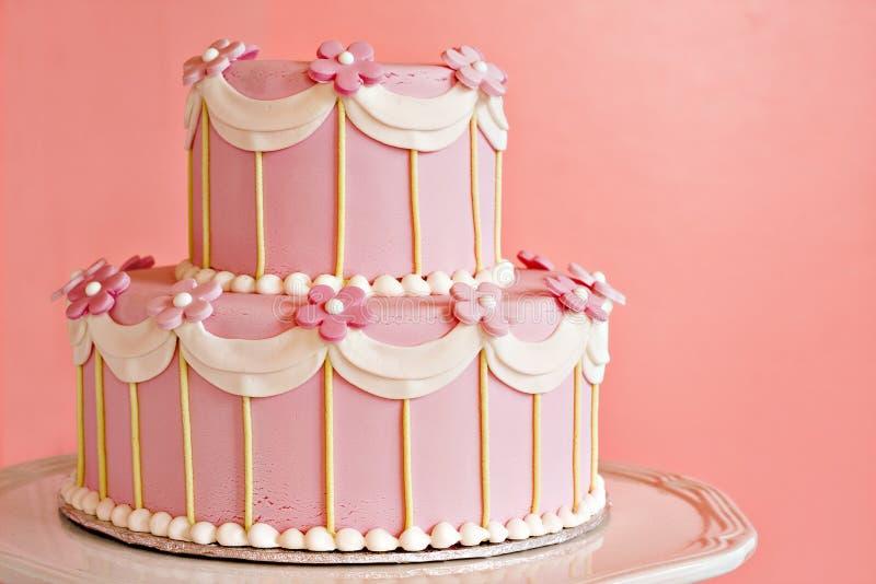 蛋糕桃红色婚礼 免版税图库摄影