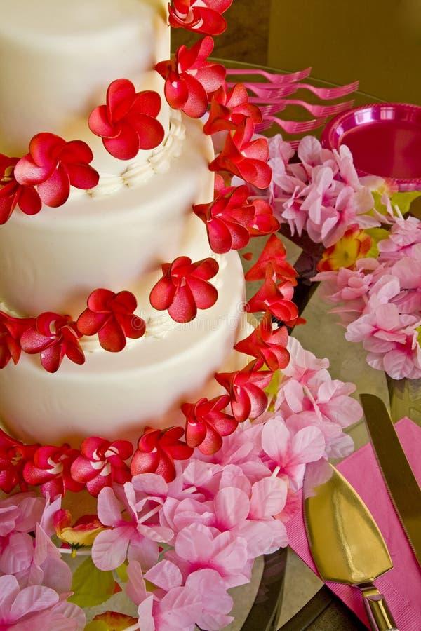 蛋糕桃红色红色婚礼 库存照片