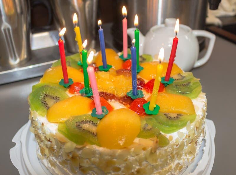 蛋糕用果子和奶油 免版税库存照片
