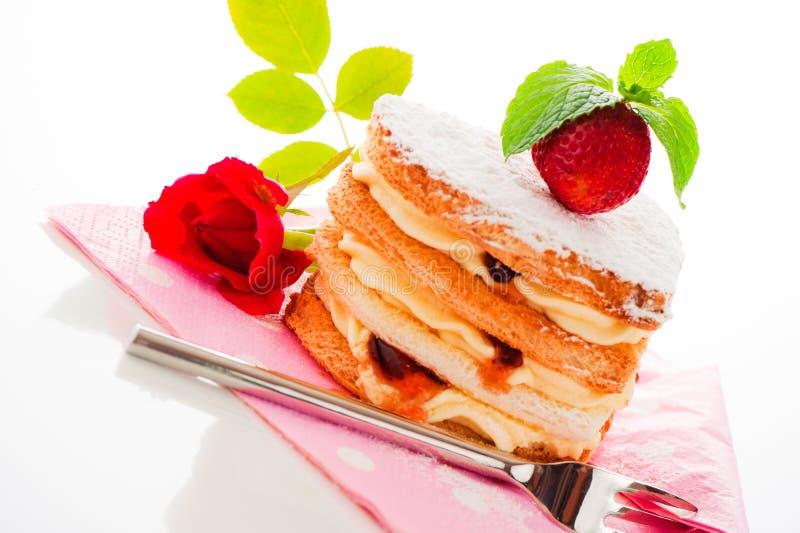 Download 蛋糕重点 库存图片. 图片 包括有 庆祝, 生日, 理想, 高雅, 奶油, 食物, 节假日, 重点, 膳食 - 22356061