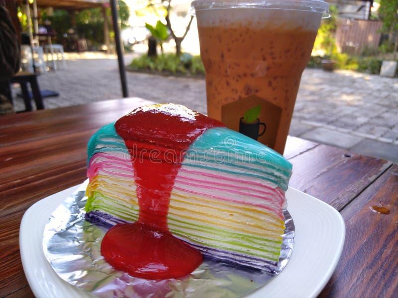 蛋糕&泰国茶 库存图片