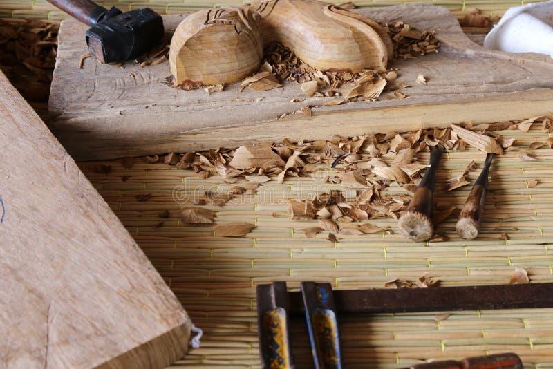 蛾眉凿木凿木匠工具工作木 免版税库存图片