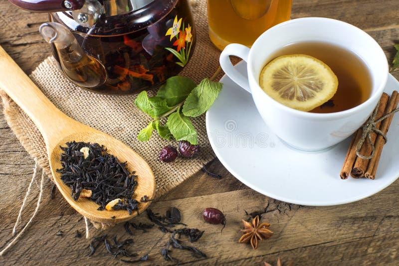 蜂蜜和柠檬茶 免版税库存照片