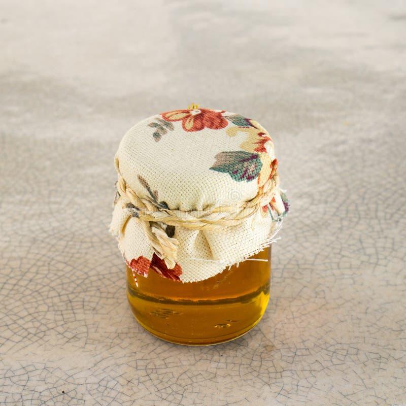 蜂蜜瓶 库存图片