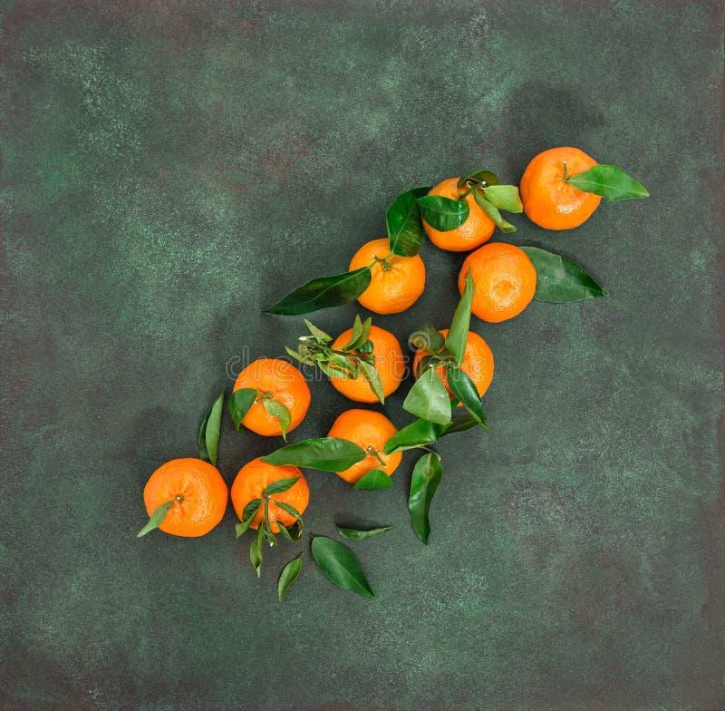 蜜桔果子橙色普通话新鲜的叶子 库存图片
