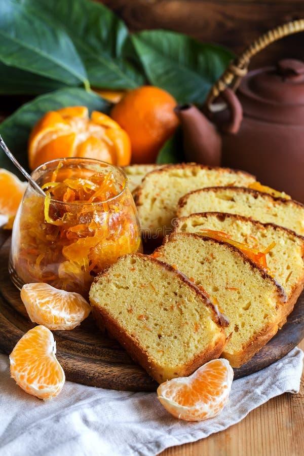 蜜桔蛋糕用茶 库存图片