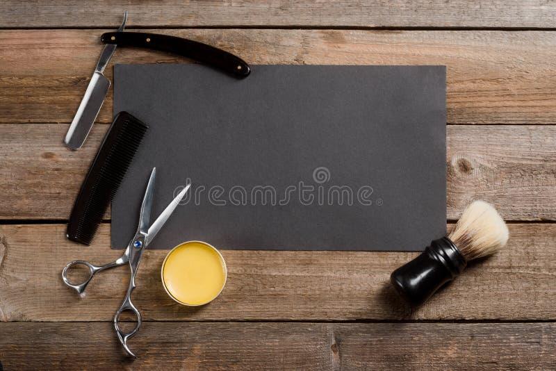 蜡、梳子和剪刀 免版税库存照片