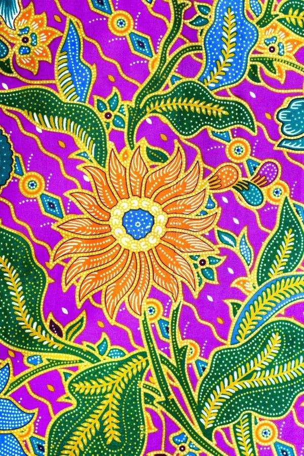 蜡染布布裙样式,在亚洲人的传统蜡染布布裙 免版税库存图片
