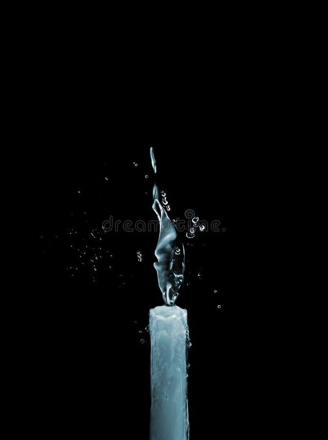蜡烛冰水 免版税图库摄影