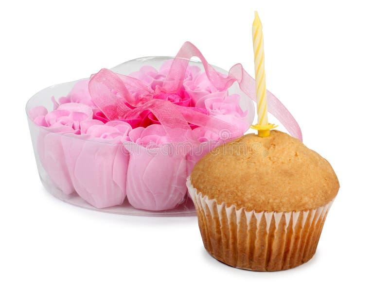 蜡烛和甜蛋糕 免版税库存照片