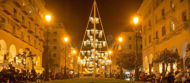 蜡烛圣诞树在城市 免版税库存照片