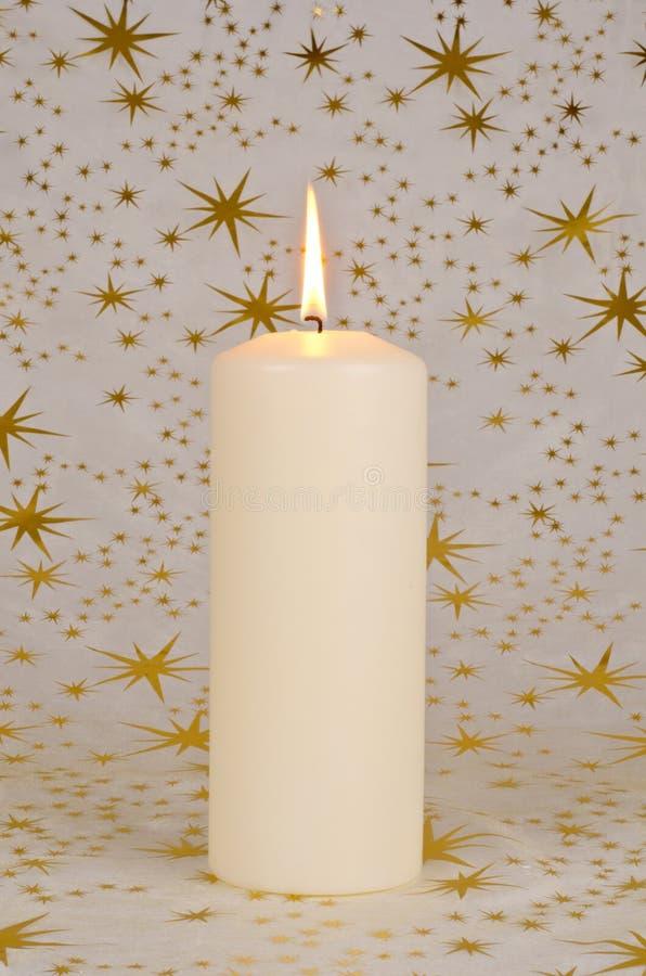 Download 蜡烛圣诞节 库存照片. 图片 包括有 星形, 温暖, 唯一, 图标, 金子, 季节性, 蜡烛, 发光, 上色 - 22352564