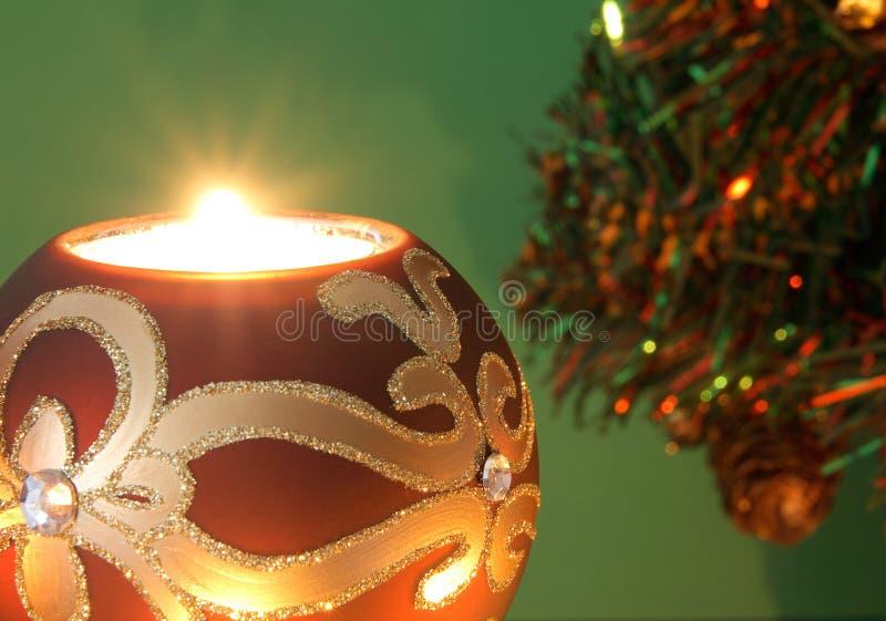 Download 蜡烛圣诞节 库存图片. 图片 包括有 装饰, 季节, 庆祝, 蜡烛, 绿色, 装饰品, lit, 节假日, 发光 - 3658833