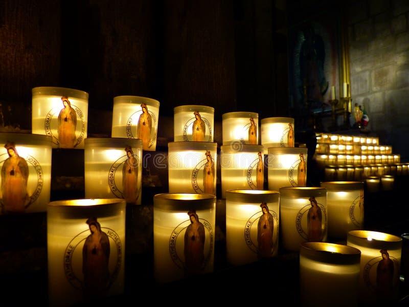 蜡烛巴黎圣母院 免版税库存照片