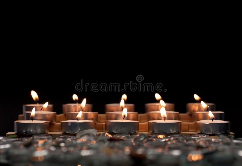 蜡烛木被点燃的立场 库存照片