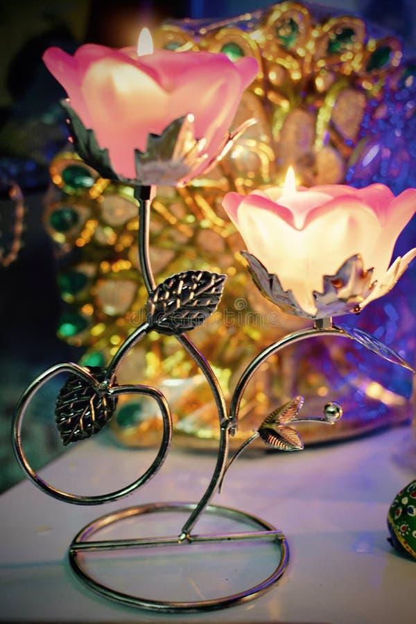 蜡烛立场欢乐装饰 免版税图库摄影