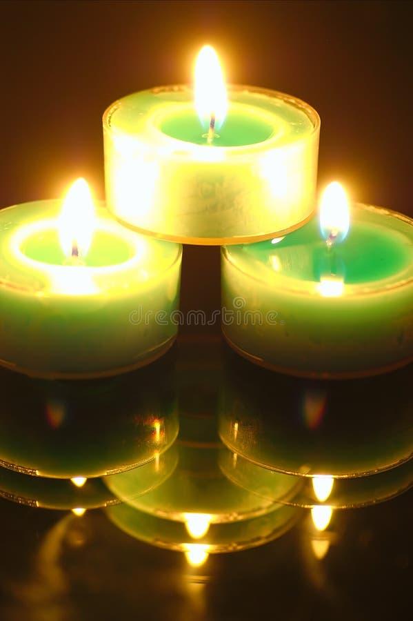 蜡烛被点燃的晚上 免版税库存图片