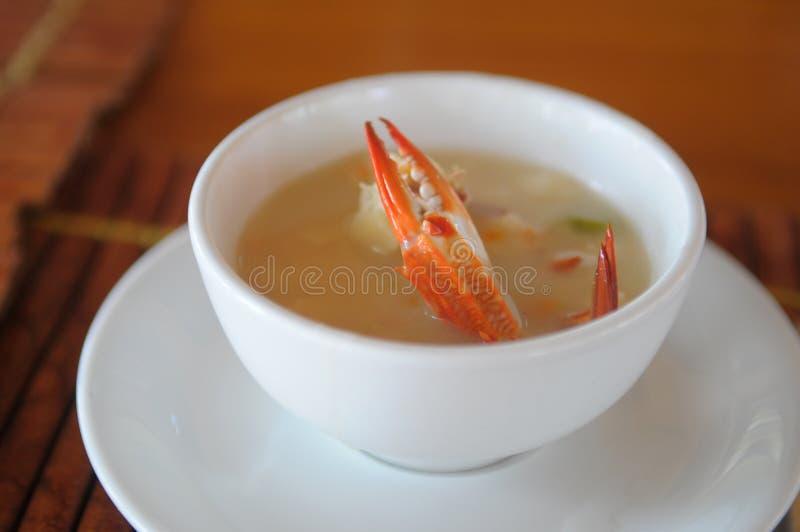 螃蟹汤 免版税库存照片