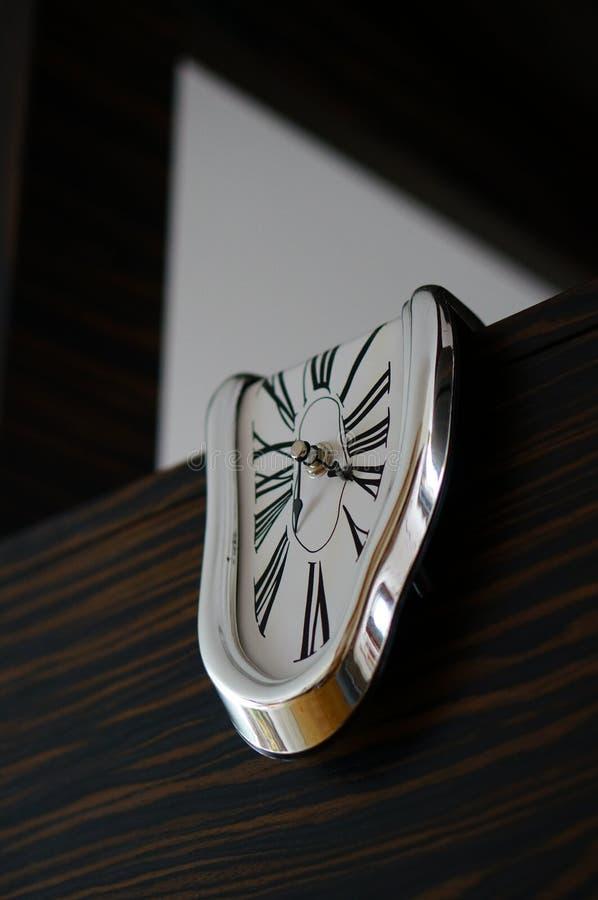 融解形状的时钟 免版税库存图片