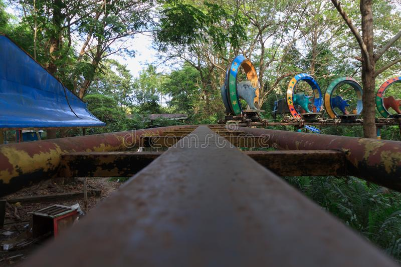 蠕动的被放弃的游乐场在仰光,以前叫作仰光,缅甸 免版税库存照片