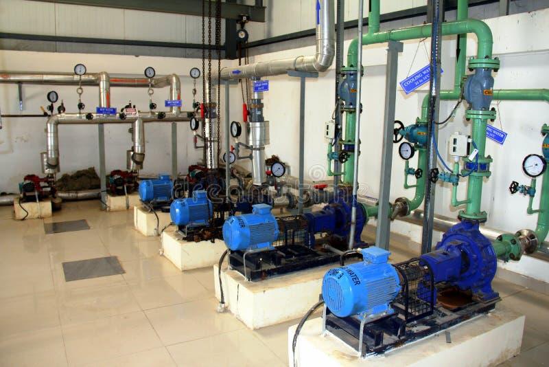 行业泵、管道和阀门 免版税库存照片
